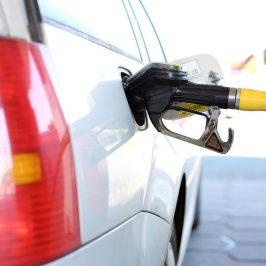Augmentation Prix Caburant, Pompe, Diesel, Essence, Polluant, Assurance Temporaire automobile, voiture